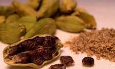 Cardamomul (Elettaria cardamomum)