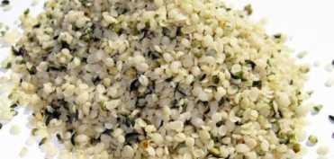Semintele decorticate de canepa