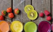 Cura de primavara: Sucurile de fructe si legume – o extraordinara sursa de hrana vie