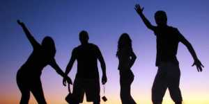 Dan Gilbert se intreaba: De ce suntem fericiti?